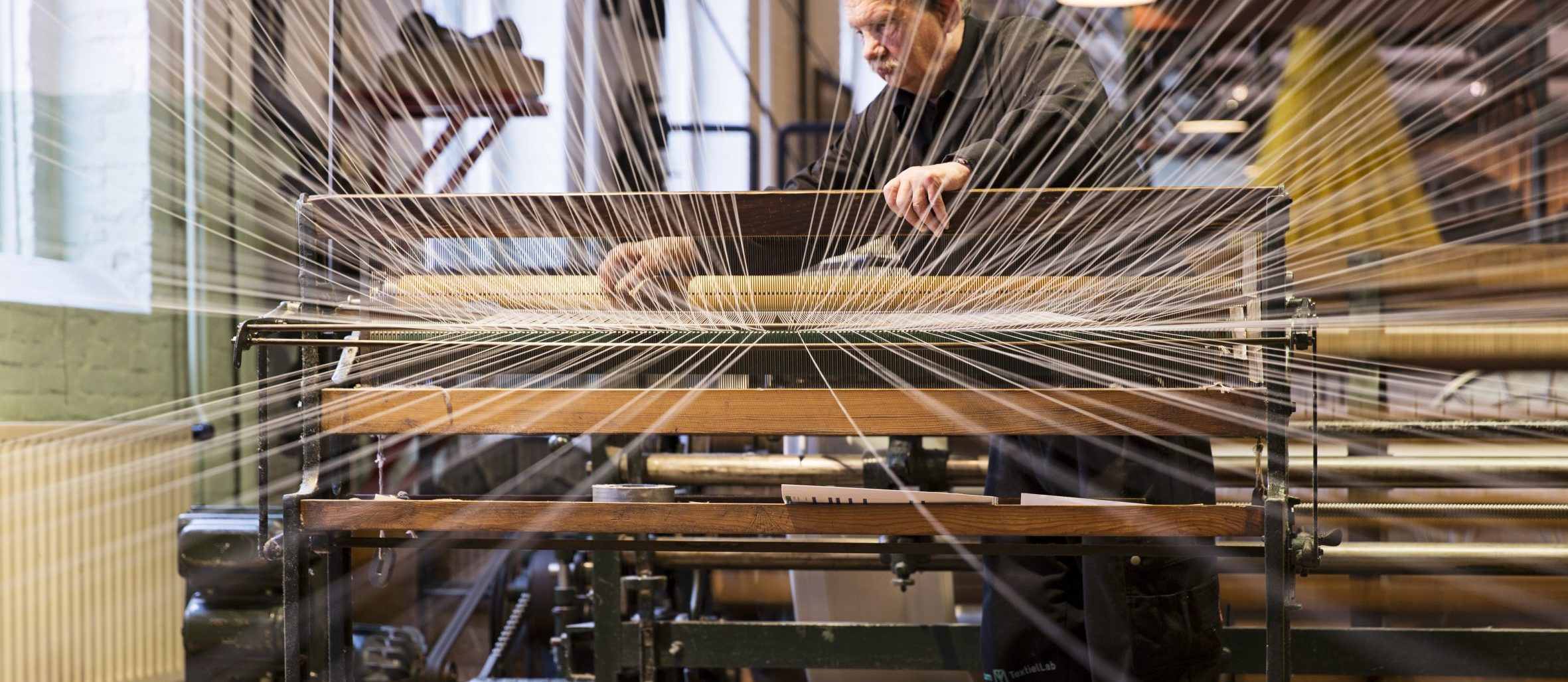 Close up machine wollendekenfabrek textielmuseum