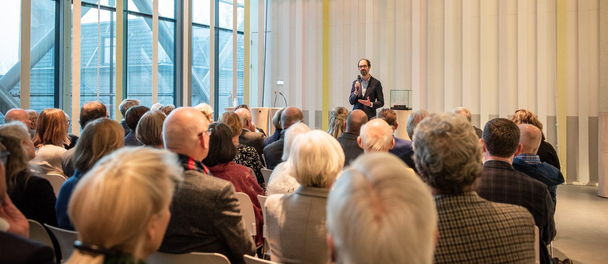Presentatie in het auditorium. Foto: William van der Voort