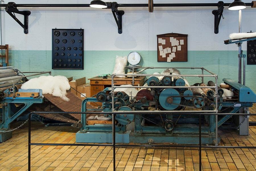 Machine wollendekenfabriek textielmuseum